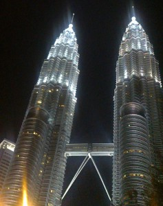 Petronas tower night (2)